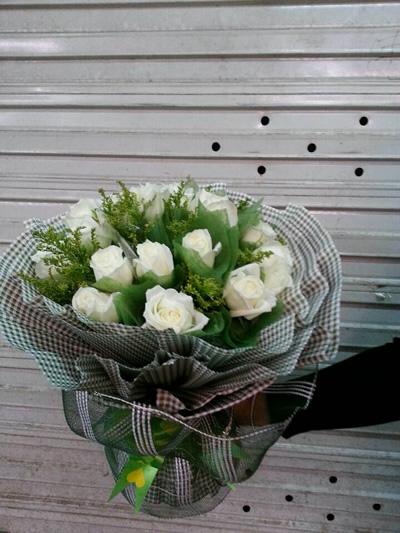 20支白色玫瑰花束